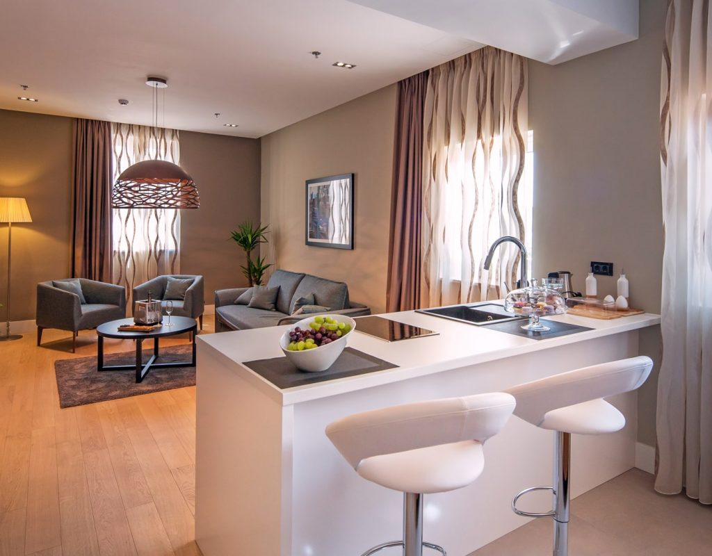 Premium Suite Kitchenette-min